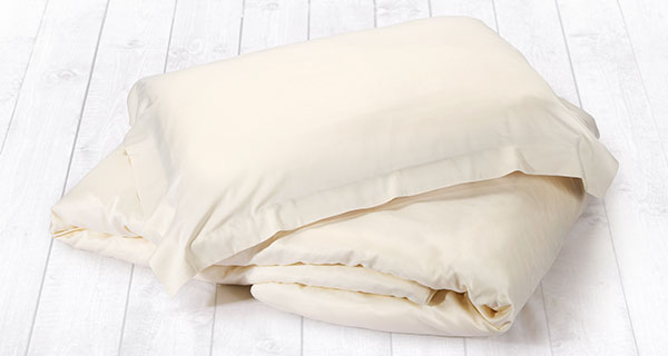 Finest 100% bamboo duvet cover sets. Light weight and breathable. Include 2 pillowcases