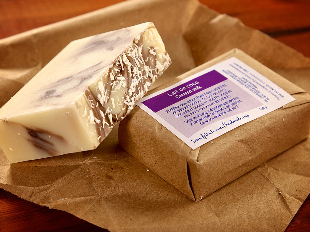 Coconut milk soap - beautiful coconut fragrance, moisturizing and hypo-allergenic